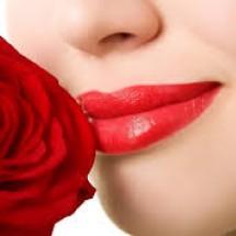 Phun môi Collagen 3D